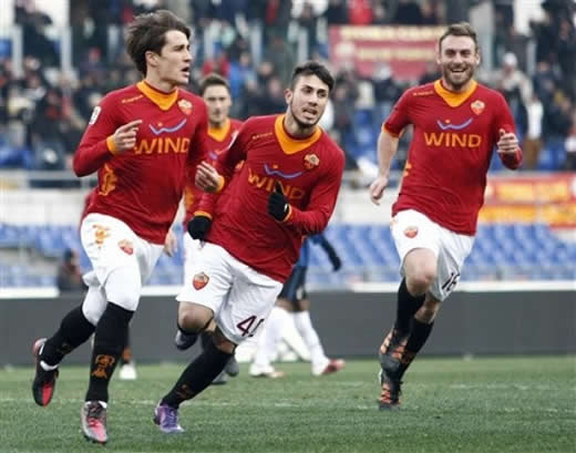 La AS Roma festejando